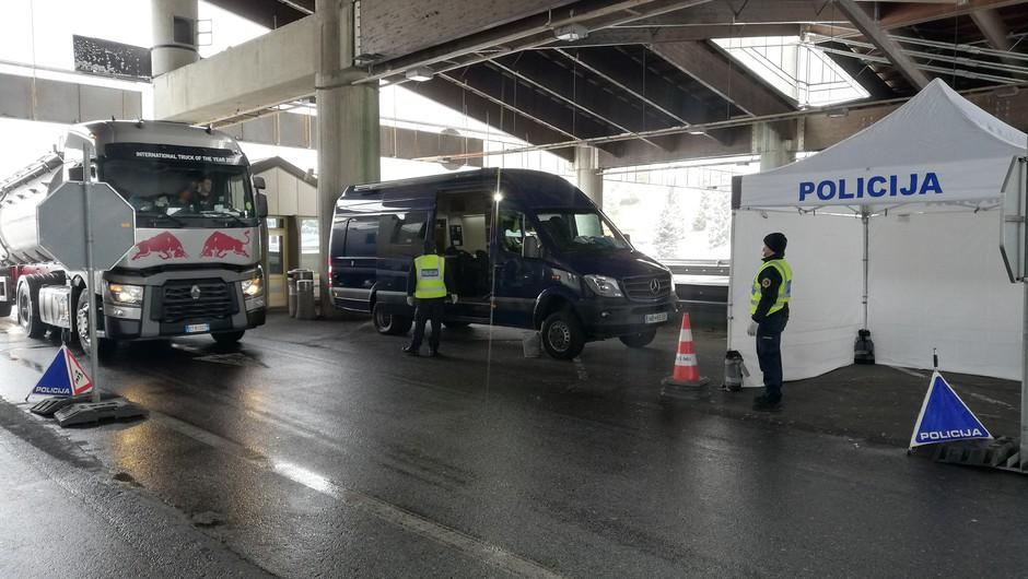 V Avstriji strožji ukrepi za potnike s Hrvaške; naval na center za brezplačno testiranje (foto: PU Maribor)