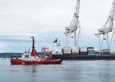 V Koper prihaja ladja z najmanj dvema okuženima s koronavirusom