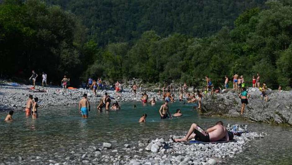Le 18 naravnih kopališč v Sloveniji ima upravljalca ter reševalca iz vode (foto: Tamino Petelinšek/STA)