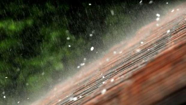 Možna krajevna neurja z nalivi, sunki vetra in točo (foto: Tamino Petelinšek/STA)