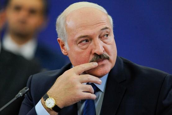 Razmere v Belorusiji vse bolj napete. Lukašenko vojski ukazal, da je v bojni pripravljenosti