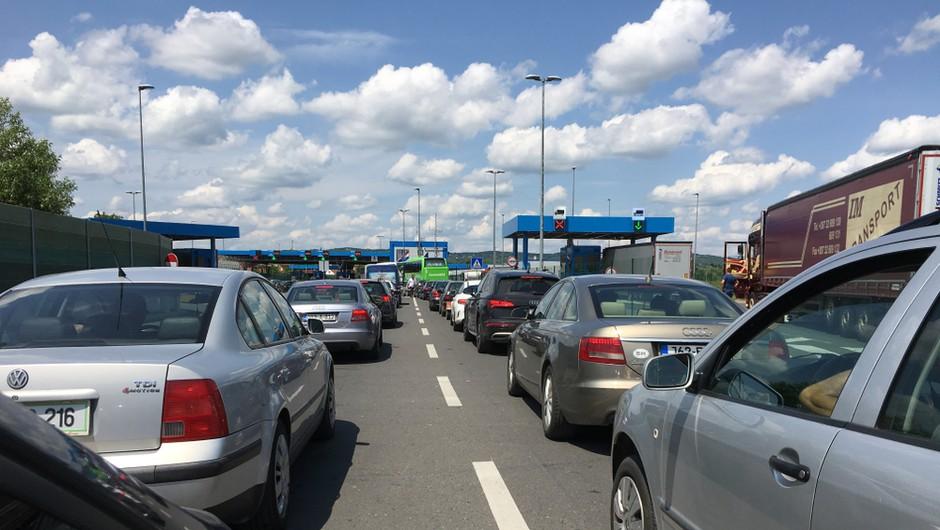 Zaradi vračanja turistov s Hrvaške na cestah čez vikend gneča (foto: Shutterstock)