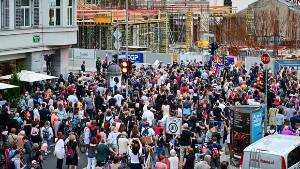 Protest v Ljubljani tokrat proti vmešavanju v policijo (foto: profimedia)