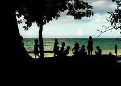 Poziv k samoizolaciji za povratnike z dopusta na Hrvaškem