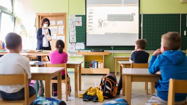 Okužbe še širijo po vrtcih in šolah, v karanteni vse več razredov in oddelkov v vrtcih (foto: Profimedia)