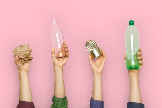 Prva raziskava o prisotnosti plastičnih delcev v človeškem telesu