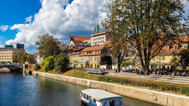 V Sloveniji v soboto dodatnih 34 okužb (foto: profimedia)