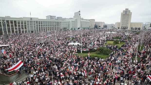 Lukašenkove grožnje očitno ne zaležejo, ulice Minska nabito polne protestnikov (foto: profimedia)