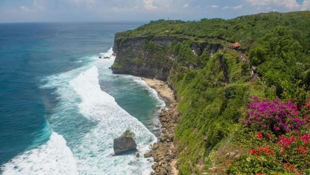 Bali bo za tuje turiste zaprt najmanj do konca leta (foto: Xinhua/STA)
