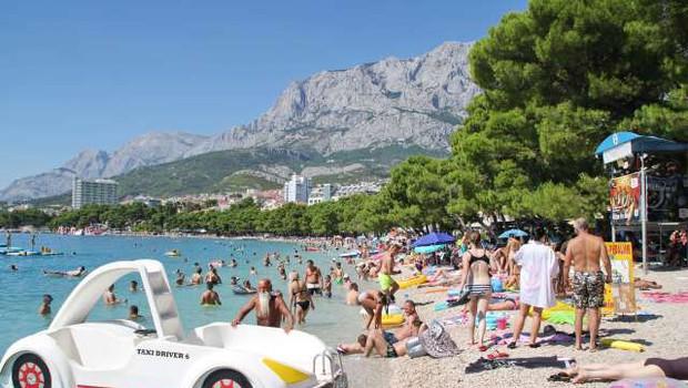 Slovenci avgusta na Hrvaškem ustvarili 94 odstotkov lanskega prometa (foto: Hina/STA)