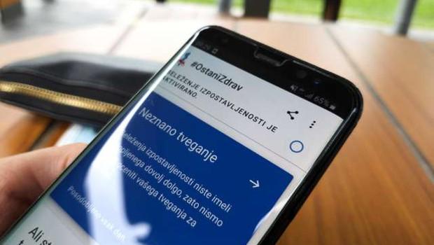 Aplikacijo #OstaniZdrav v prvem tednu naložilo 37.400 uporabnikov (foto: Nik Kranjec/STA)
