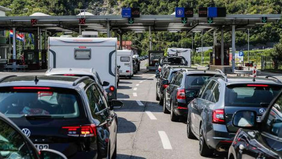 Na mejnih prehodih s Hrvaško zaenkrat ni večje gneče (foto: Stanko Gruden/STA)