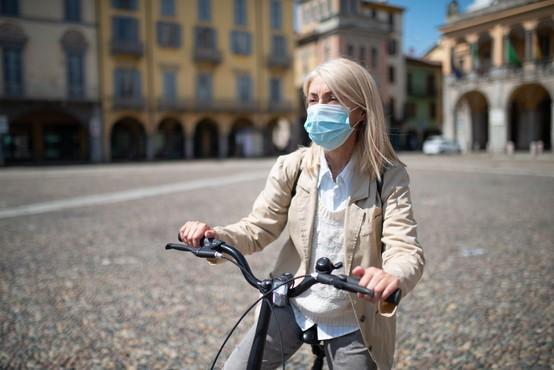 V Italiji začeli testirati cepivo proti covidu-19 na ljudeh