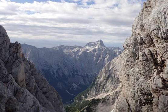 Pet najvišjih slovenskih vrhov je Luka Kovačič premagal v 13 urah in 56 minutah