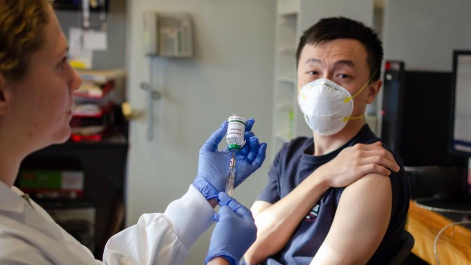 Na Kitajskem poskusno cepivo prejelo že več kot 20.000 ljudi (foto: Profimedia)