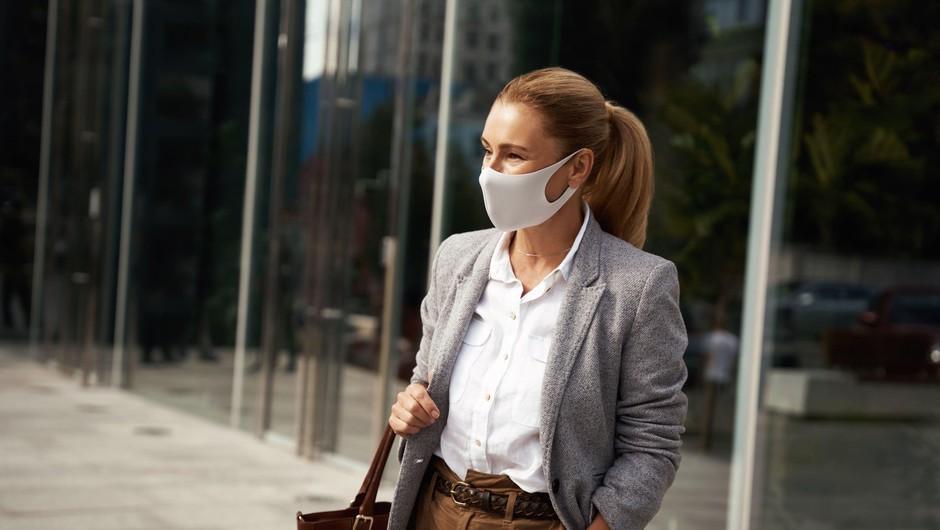 Pandemija covida-19 naj bi se po svetu umirjala, v Sloveniji zaenkrat omejeno število novih primerov okužb (foto: Profimedia)