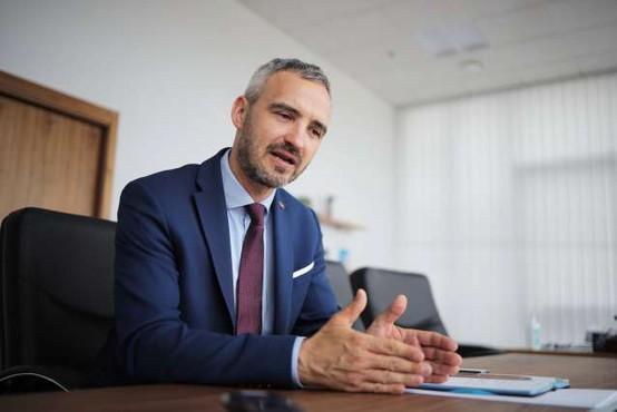 Vlada s sklepom podaljšala ukrep čakanja na delo do konca septembra