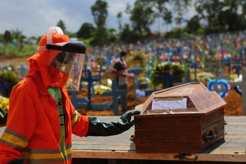 V mestu, v katerem so se kopale množične grobnice, nihče več ne umira zaradi Covida! (foto: profimedia)