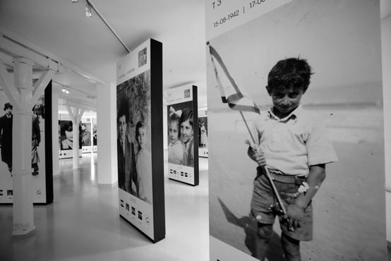 Muzej v Auschwitzu obsodil TikTok trend nastopanja v kostumih žrtev holokavsta