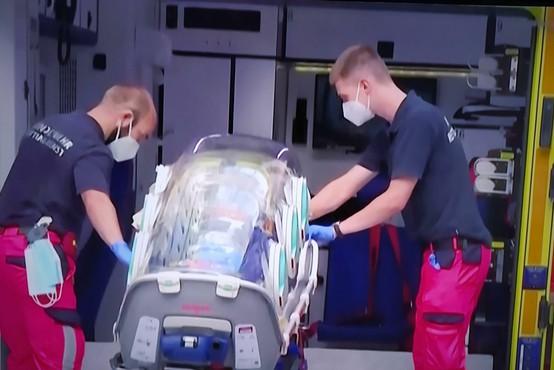 Alekseju Navalnemu se je v berlinski bolnišnici zdravje nekoliko izboljšalo