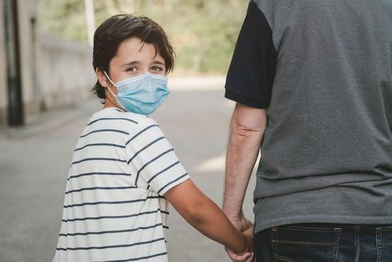 Petkova testiranja v Sloveniji potrdila 37 na novo okuženih