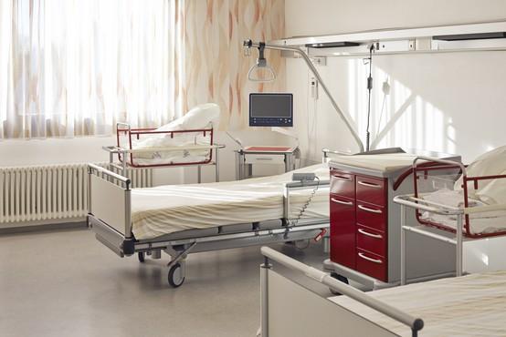 Pri eni od zaposlenih v porodnem bloku kranjske porodnišnice so potrdili okužbo