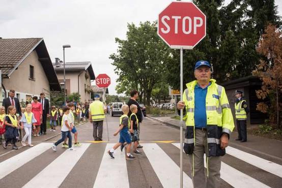 Najmlajši se vračajo v šole in na cesto, zato policisti opozarjajo na njihovo varnost v prometu