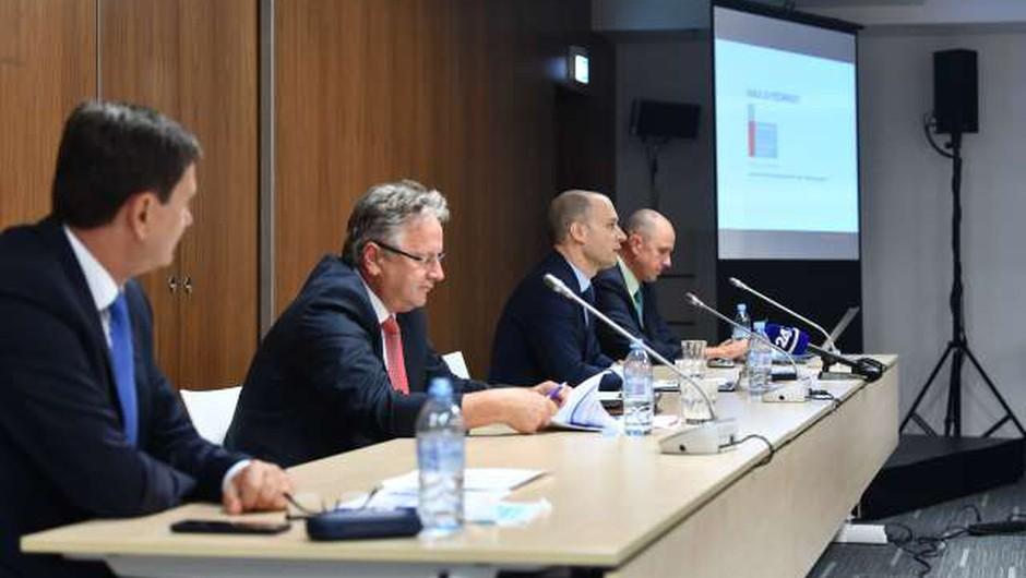 Drugi tir ima 25-krat večji pomen za slovensko logistiko kot gradbeništvo (foto: Tamino Petelinšek/STA)