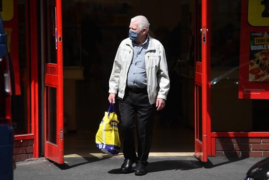 Na Islandiji 90 odstotkov okuženih štiri mesece ohranilo protitelesa