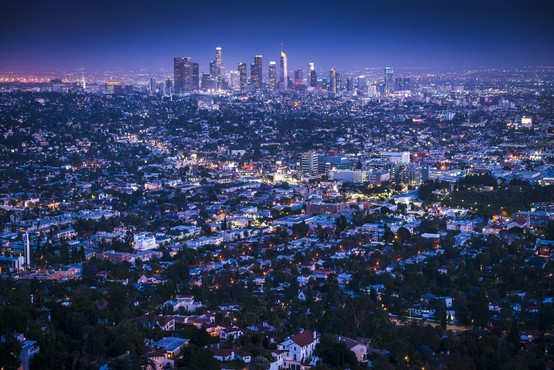 "Pilota nad Los Angelesom osupnil neznani ""superman"""