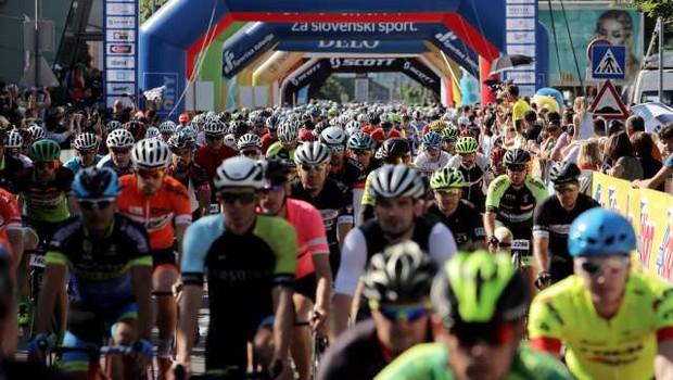 Maraton Franja letos v znamenju omejitev in kolesarske evforije (foto: Daniel Novakovič/STA)