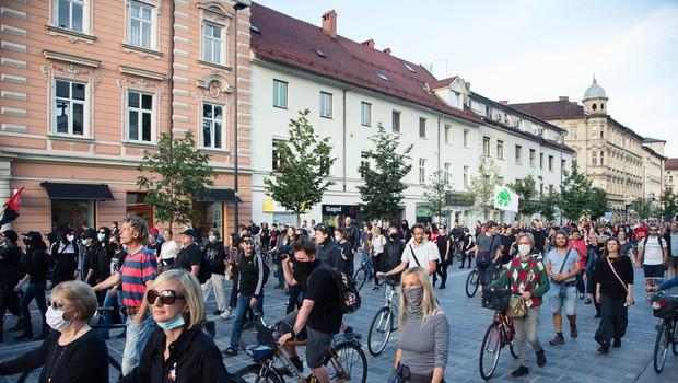 20. petkov protest v Ljubljani tudi za spodbudo žvižgačem (foto: profimedia)