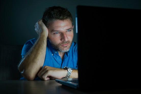 Nova študija: gledanje pornografije naj ne bi imelo slabih vplivov na spolno življenje