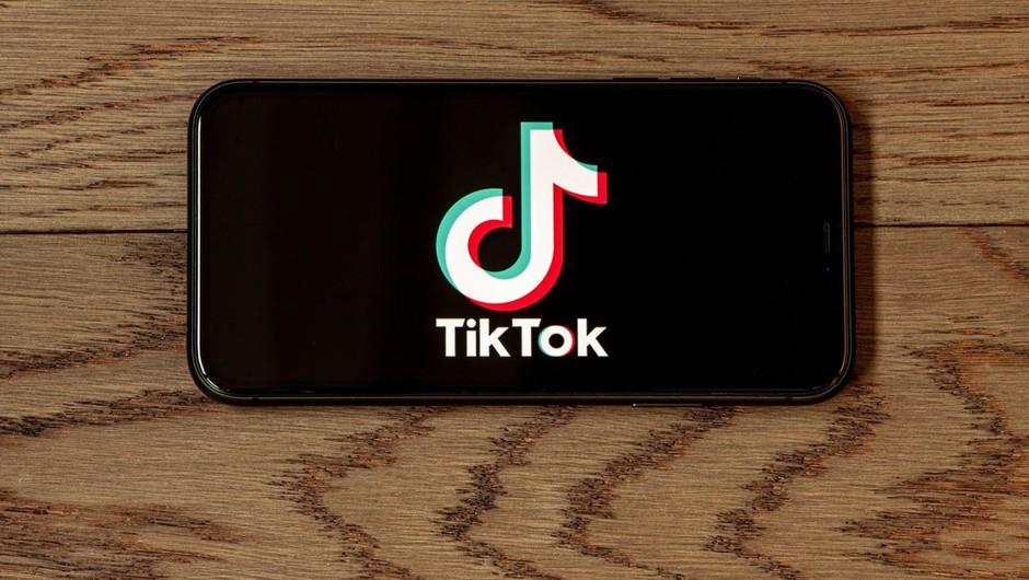Svarilo za uporabnike TikToka: viralno se širi zelo nazorni video samomora! (foto: profimedia)