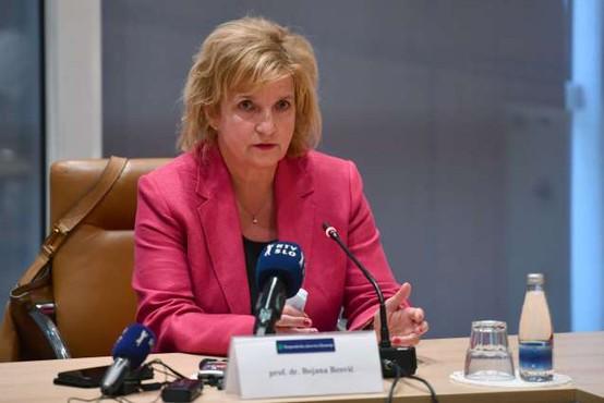 Strokovna svetovalna skupina vladi predlaga skrajšanje karantene na 10 dni