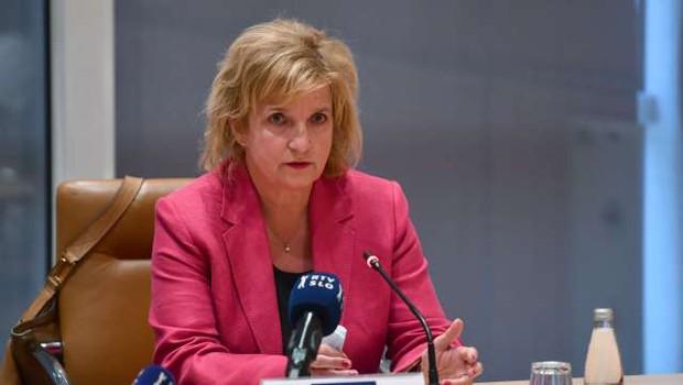 Strokovna svetovalna skupina vladi predlaga skrajšanje karantene na 10 dni (foto: Tamino Petelinšek/STA)