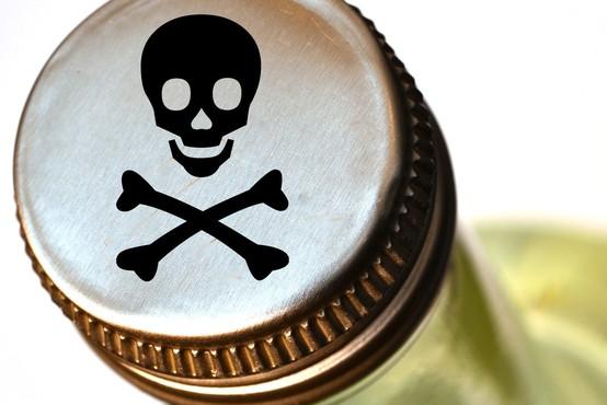 Ameriški zdravniki zgroženo: »Prenehajte piti dezinfekcijska sredstva!«