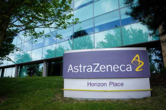 AstraZeneca kljub prekinitvi testiranja napoveduje cepivo do konca leta