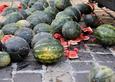 Hrvaški premier zaradi performansa z lubenicami zahteva okrepitev varnosti Banskih dvorov