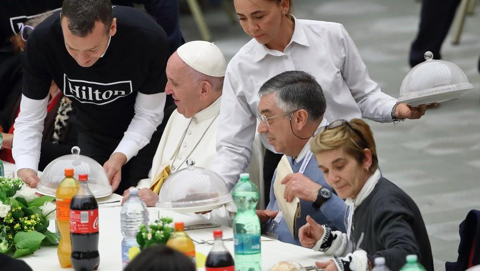 """""""Tako uživanje v hrani kot v spolnosti prihajata od Boga,"""" pravi papež Frančišek (foto: profimedia)"""