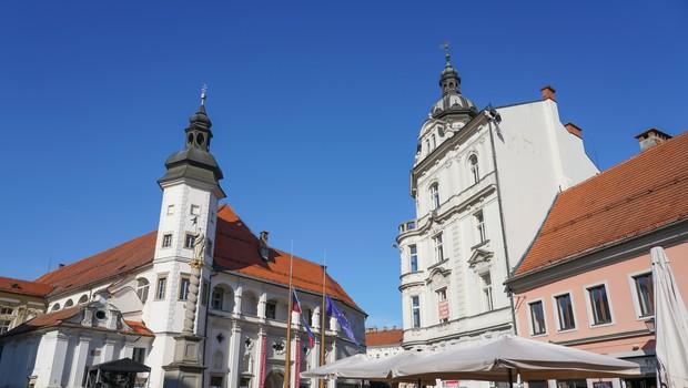 V Mariboru nenadna rast števila okuženih z novim koronavirusom (foto: profimedia)