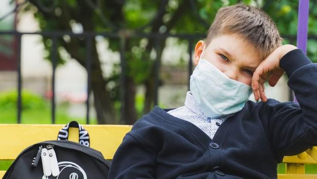 V soboto je v Sloveniji število okuženih padlo tik pod stotico (foto: profimedia)