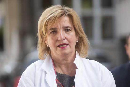 Beovićeva kot zaskrbljujoče ocenjuje naraščanje števila hospitaliziranih