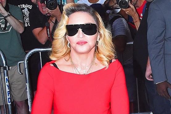Madonna bo režirala film o svojem življenju