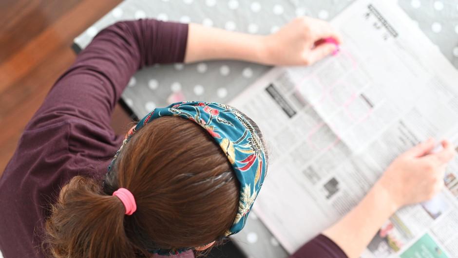 V restavracijah, lokalih, frizerskih in kozmetičnih salonih spet na voljo časopisi in revije (foto: Profimedia)