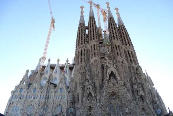 Dela na baziliki Sagrada Familia v Barceloni ne bodo končana leta 2026