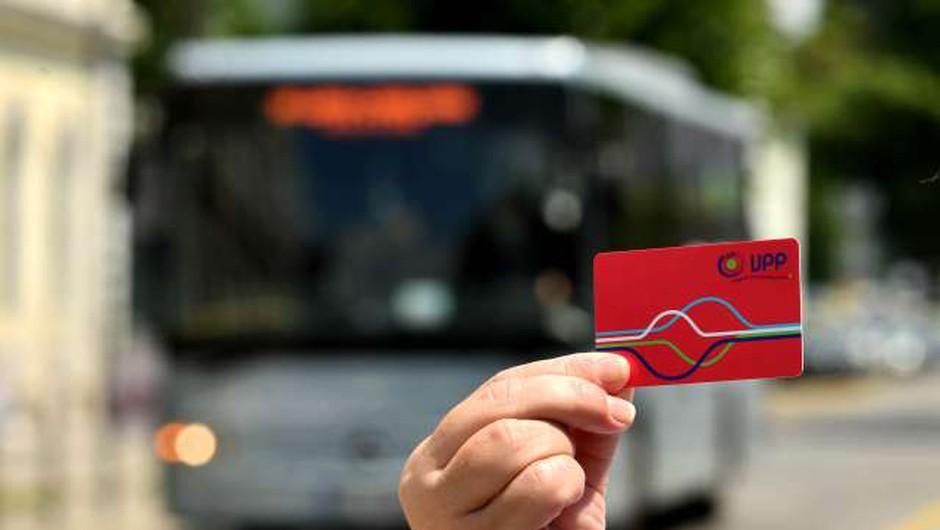Izdali že več kot 140.000 vozovnic za brezplačen prevoz (foto: Tamino Petelinšek/STA)