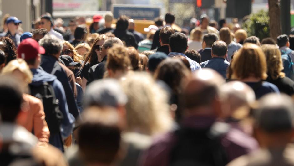 Vsake štiri dni milijon novih okuženih, skupno število v svetu preseglo 30 milijonov (foto: Shutterstock)