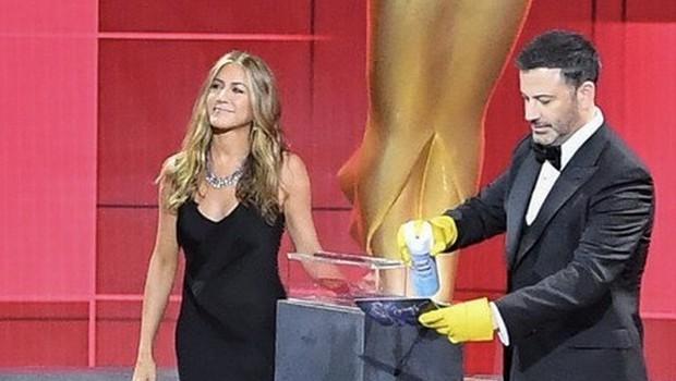 Zvezdnice naj bi na podelitvi nagrad emmy nosile pižame, a zgodilo se je tole (foto: Profimedia)