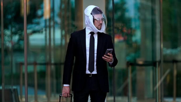 So vam zaščitne maske neudobne? Morda vas prepriča ta prav posebna čelada. (foto: MicroClimate)